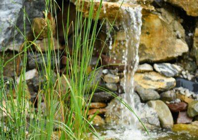 Wasserfall im Garten des Landhotel Anna