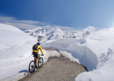 mountain bike auf der Glockner Hochalpenstraße